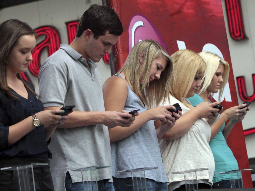 modern addictions smartphones Smartphone addiction among students discusses about the impact of smartphones over usage on a research paper on smartphone addiction among students smartphone addiction as a.