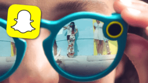 snapchat-spectacles-1474887484-list-handheld-0